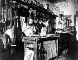 Liutaio al Lavoro - Ernesto Fazioli